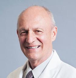Dr. German Arango García, especialista en cirugía refractiva