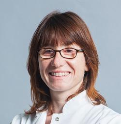 Natàlia Procházka, Optometrista del ICOF Institut de la còrnia i d'oftalmologia