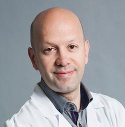 Oscar Segura, Optometrista del ICOF Institut de la còrnia i d'oftalmologia