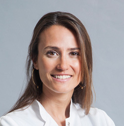 Conchita Morales, Enfermera del ICOF Institut de la còrnia i d'oftalmologia